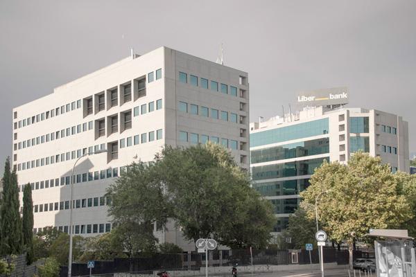 desde 500 m2 Metro y Cercanías: Fuente de la Mora Parque Empresarial Manoteras